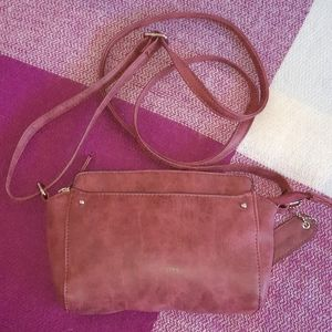DENVER HAYES Burgundy crossbody